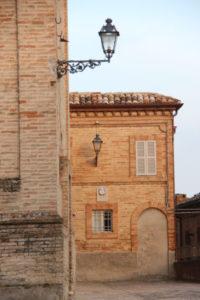 Casa Cipresse - Kerk op het bovenplein