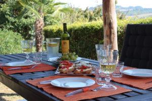 Lekker eten onder de pergola | Vakantiewoning Casa Cipresse