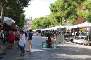 De grote markt in Porto San Giorgio | Vakantiewoning Casa Cipresse